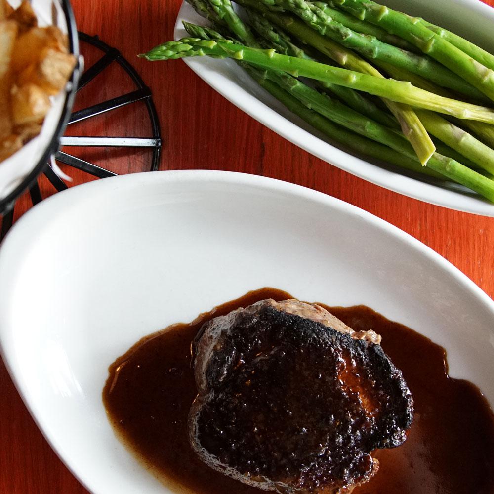 Steak, asparagus, and fries